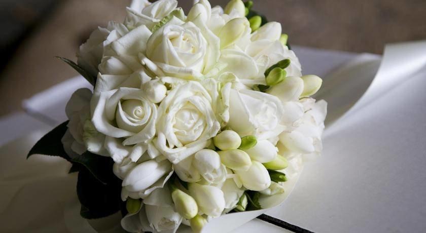 Букет из белых роз свадебный фото, саженцы роз