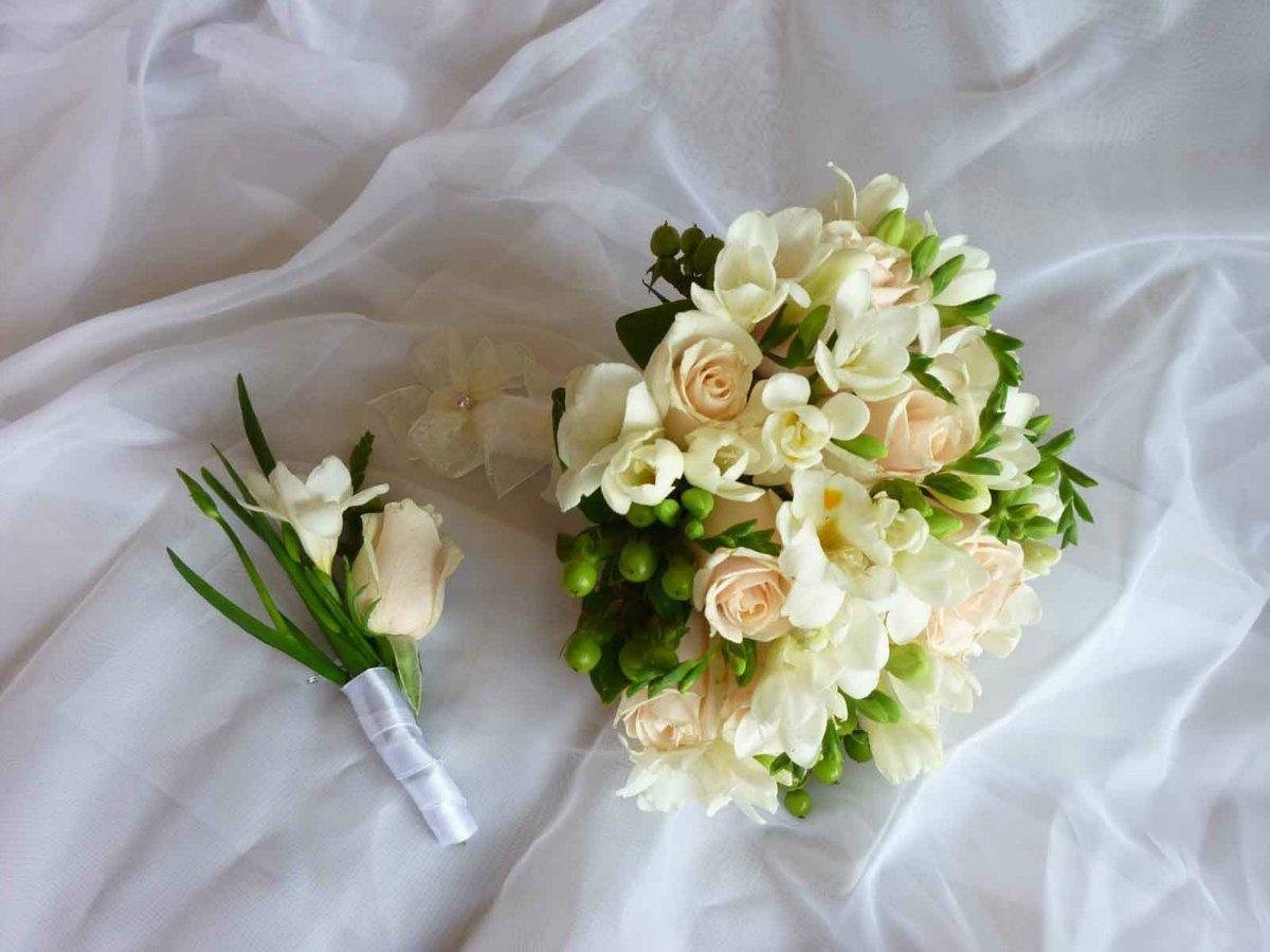 Сеть магазинов, свадебные букеты для невесты фрезий фото