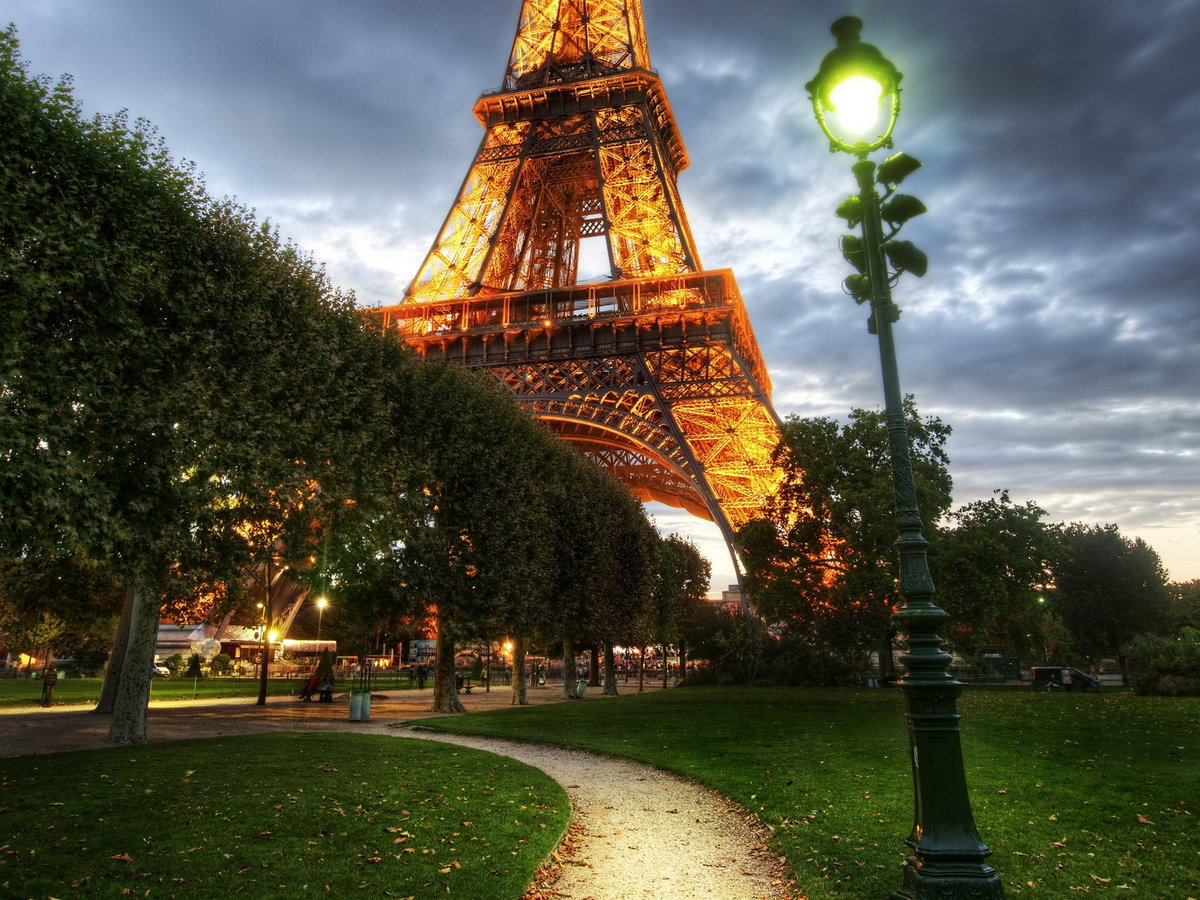 сорта картинка города эйфелева башня для коллекции стала