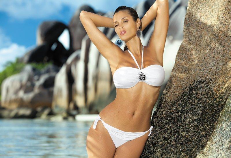 Фото девушек на пляже в большом разрешении