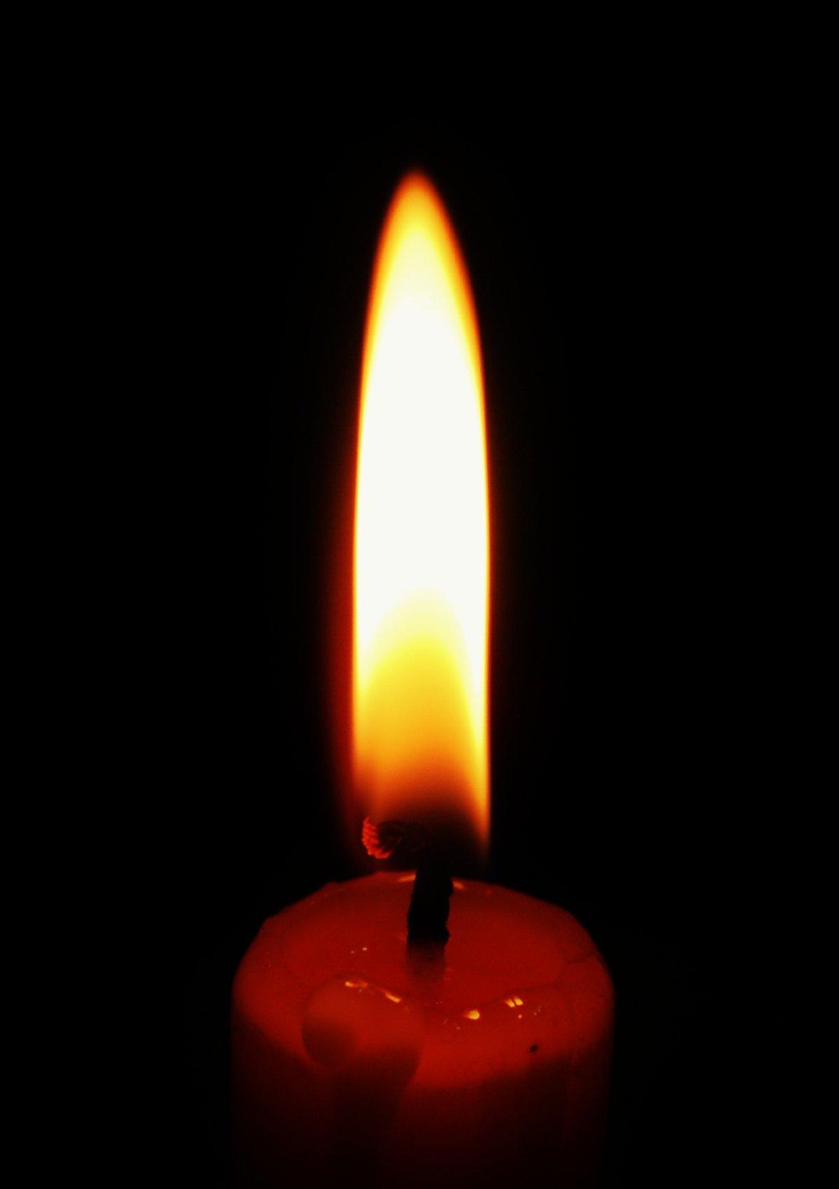 Горящая свеча анимашка