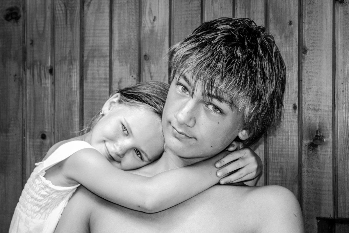 Старший брат с сестренкой картинки