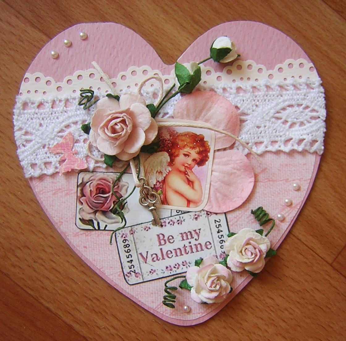Скрапбукинг открытки с валентинками, футбола