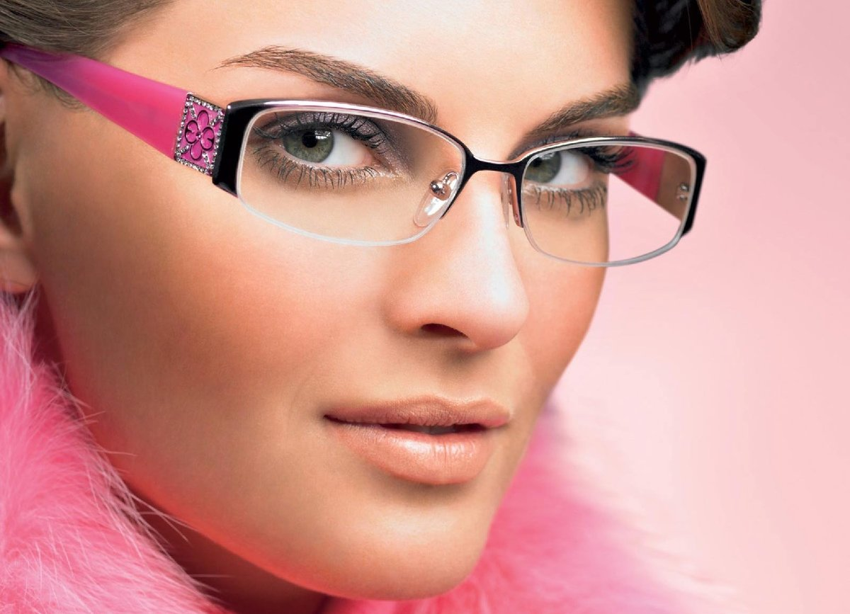 девушки в стильных очках видео спокойно требуем