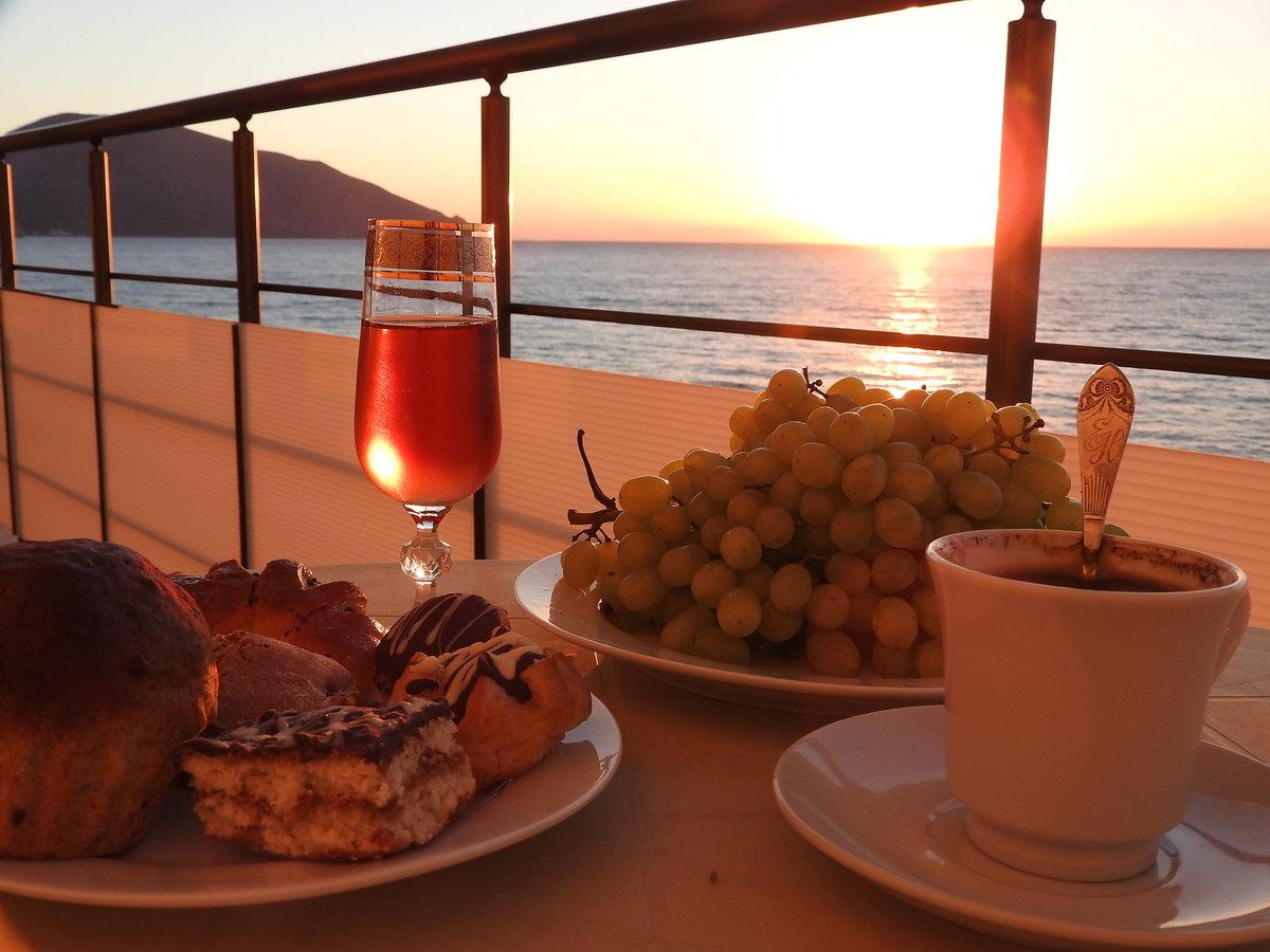 Красивый завтрак у моря картинки ней