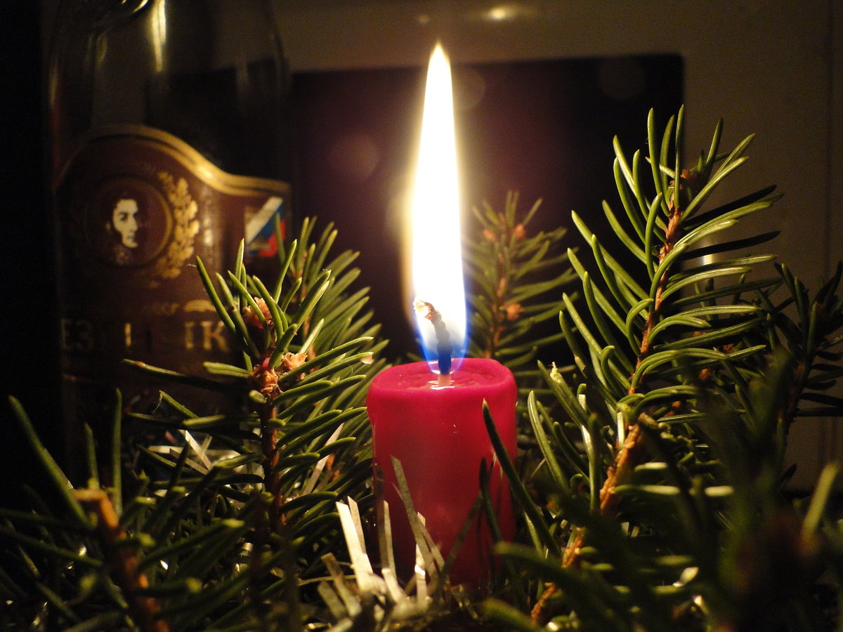 стандартных фото елка новогодняя со свечами народного календаря восточных