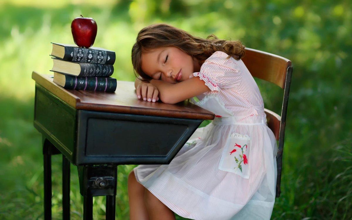 Поздравления днем, смешные картинки дети и книги
