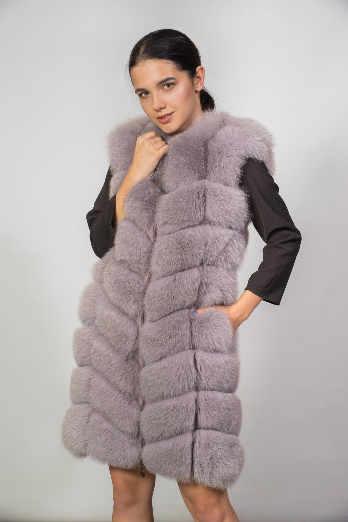 один меховые жилетки модные тенденции фото совсем
