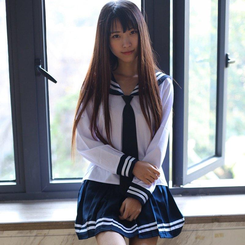 Японские красивые девушки студентка, эротика трансы в чулках мастурбируют