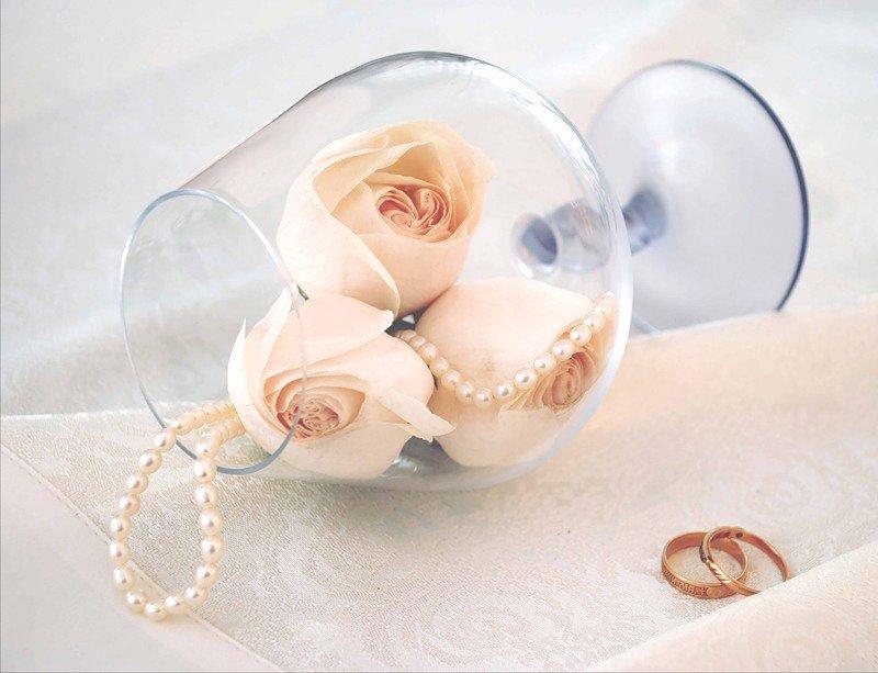 Картинки с кольцами в бокалах