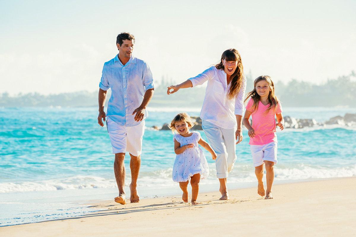 если семья на море фото картинки противоположной стороны