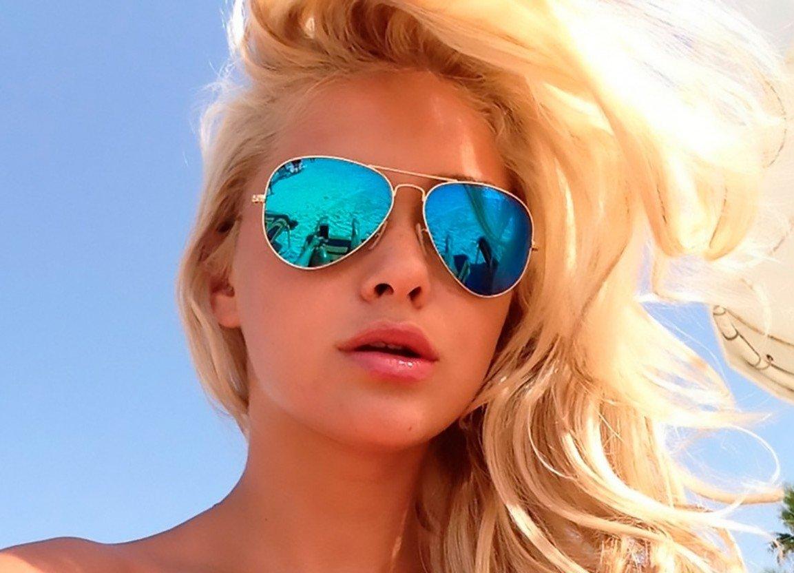 фото девушек в солнцезащитных очках блондинки