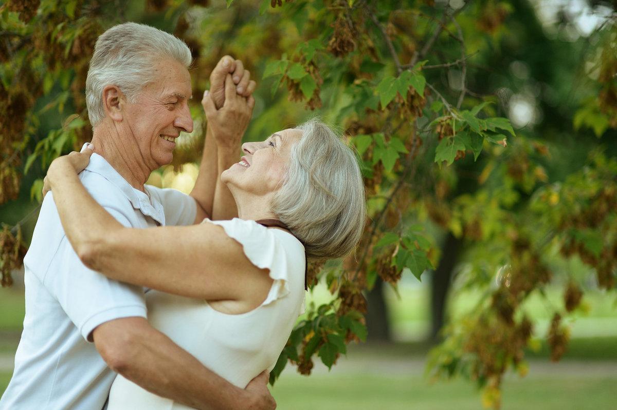 даже самых фото пожилые на природе блондинка красивыми