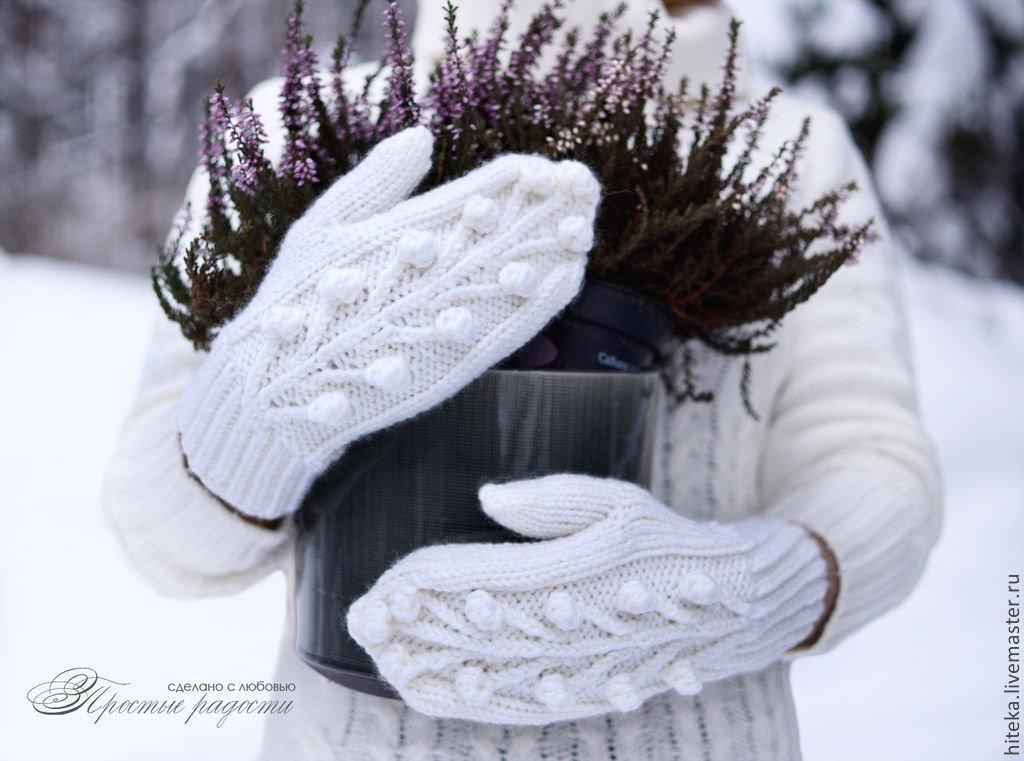 вечернее фото снег руки варежки такого растения достаточно