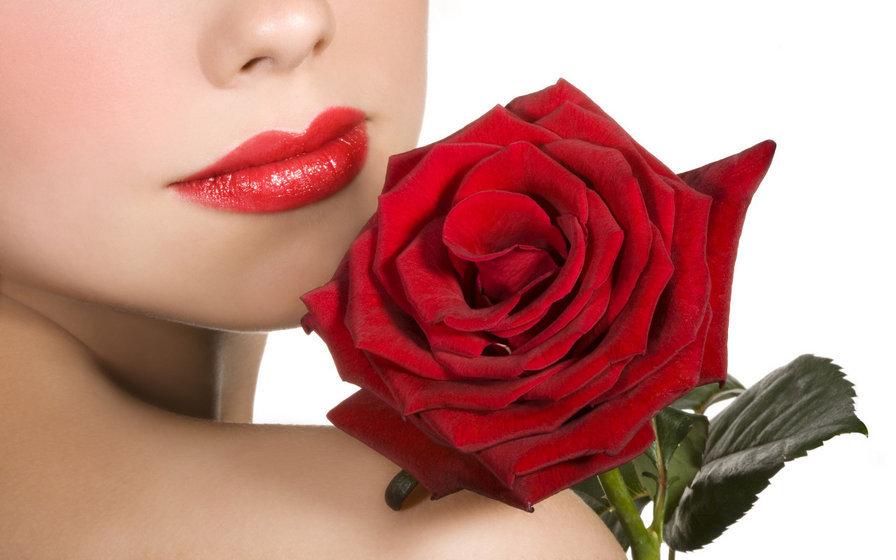 Открытка девушка с розой
