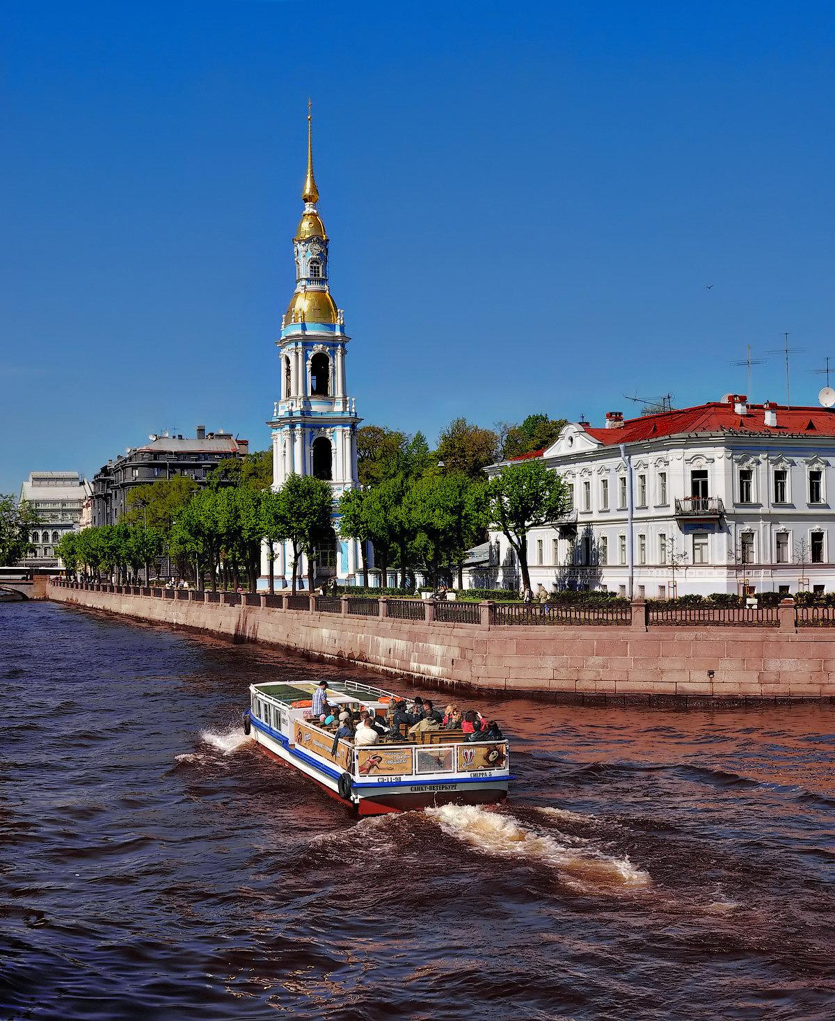 боковом расположении, фото колокольня никольского собора основном