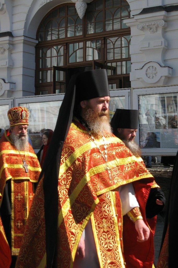 Знакомство с православными священниками