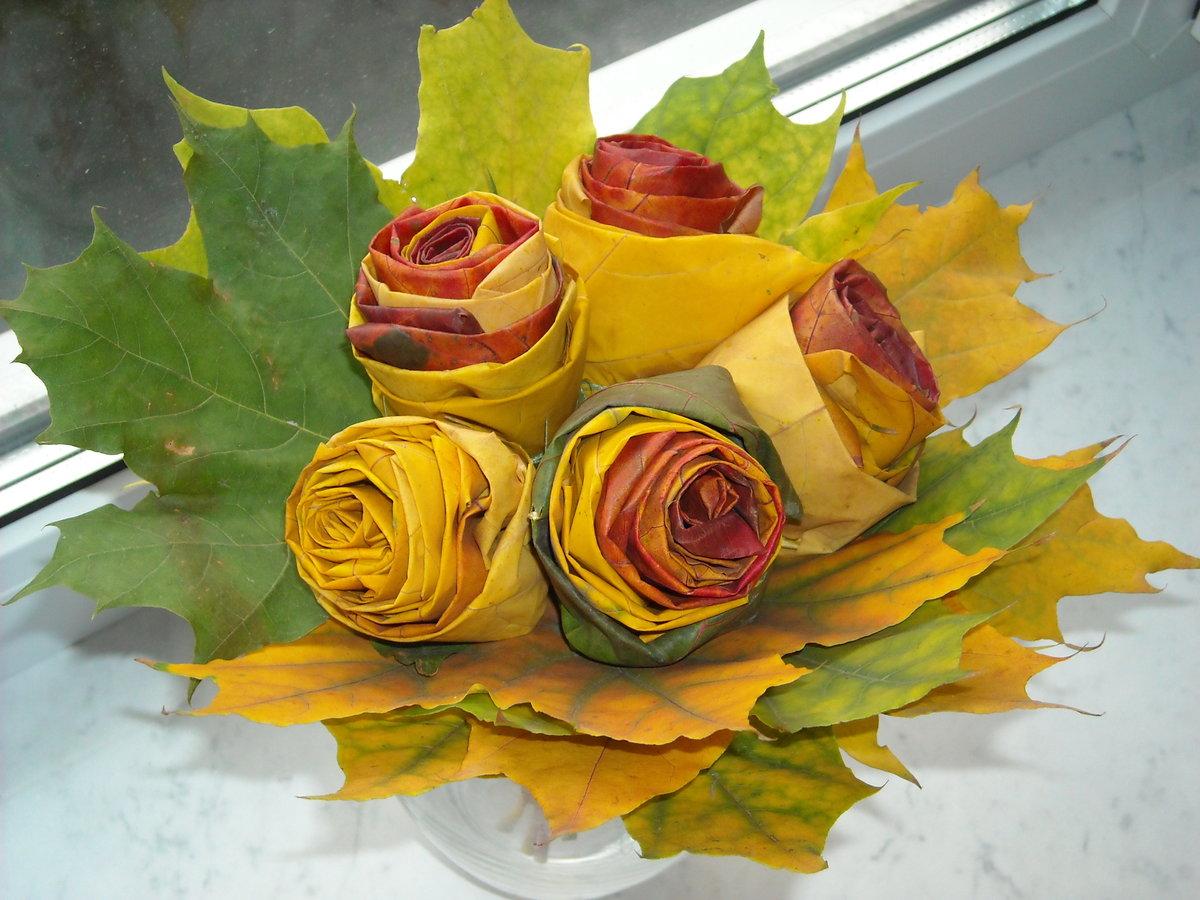 Красивый букет из листьев деревьев, букеты ромашек пионов