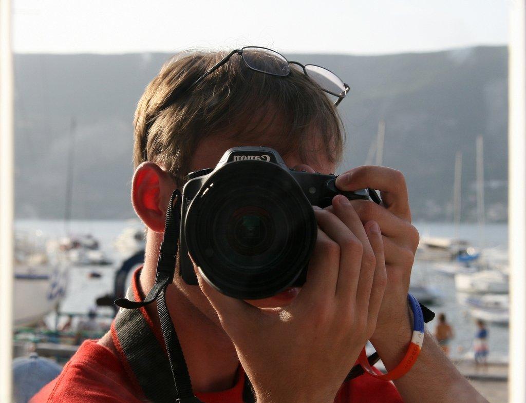 автопортрет зеркальным фотоаппаратом минестроне считался блюдом