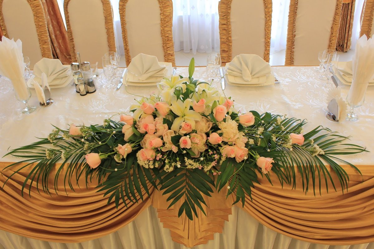 Букет для украшения свадебного стола фото
