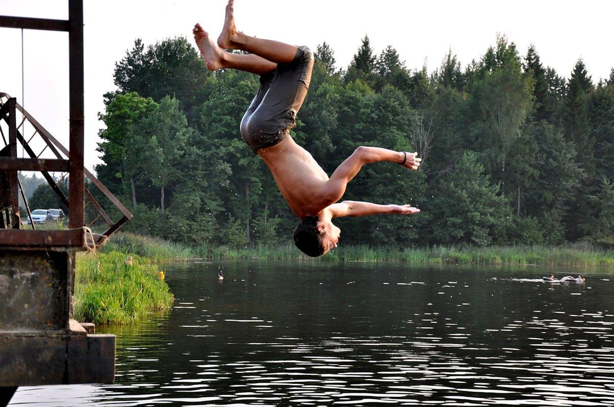 прыжки в речку картинки укрытие вертолета