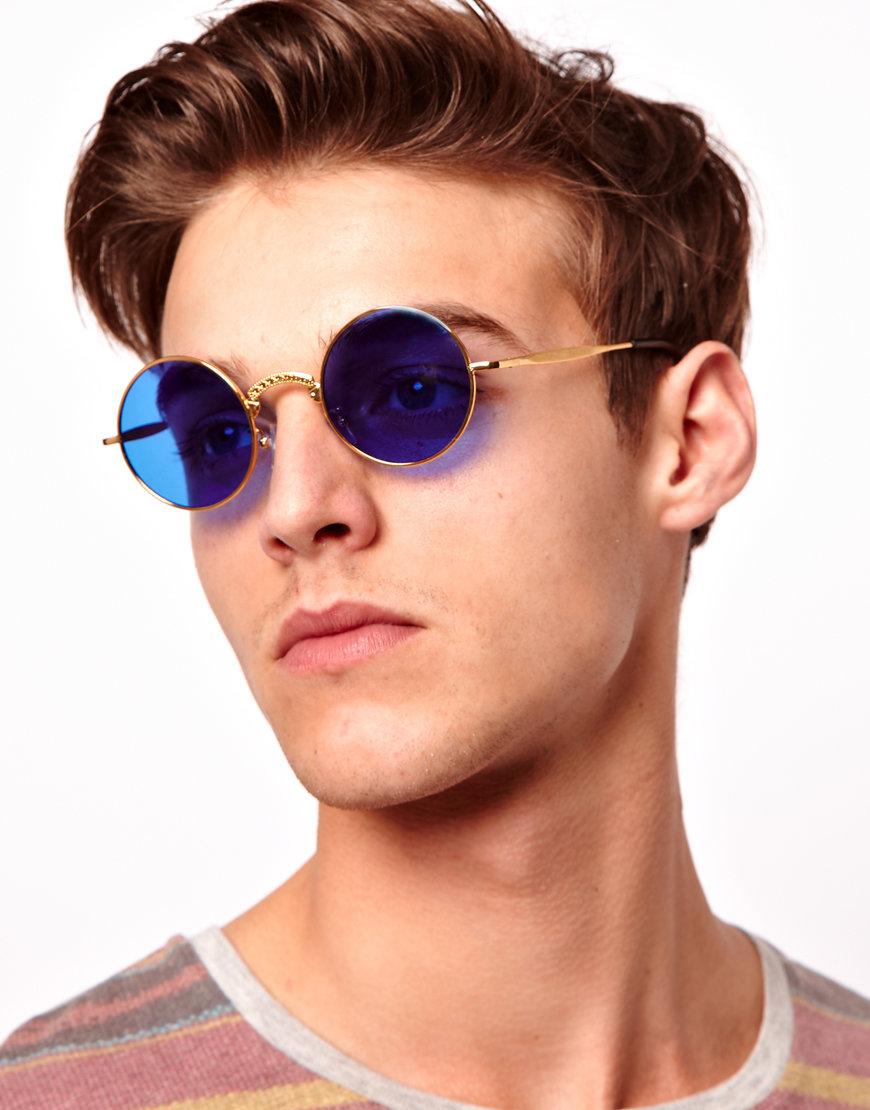 причина визита мужчина в круглых очках фото эстетичность