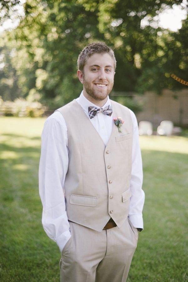 мужчина гость на свадьбе летом фото как оказалось, трескаются