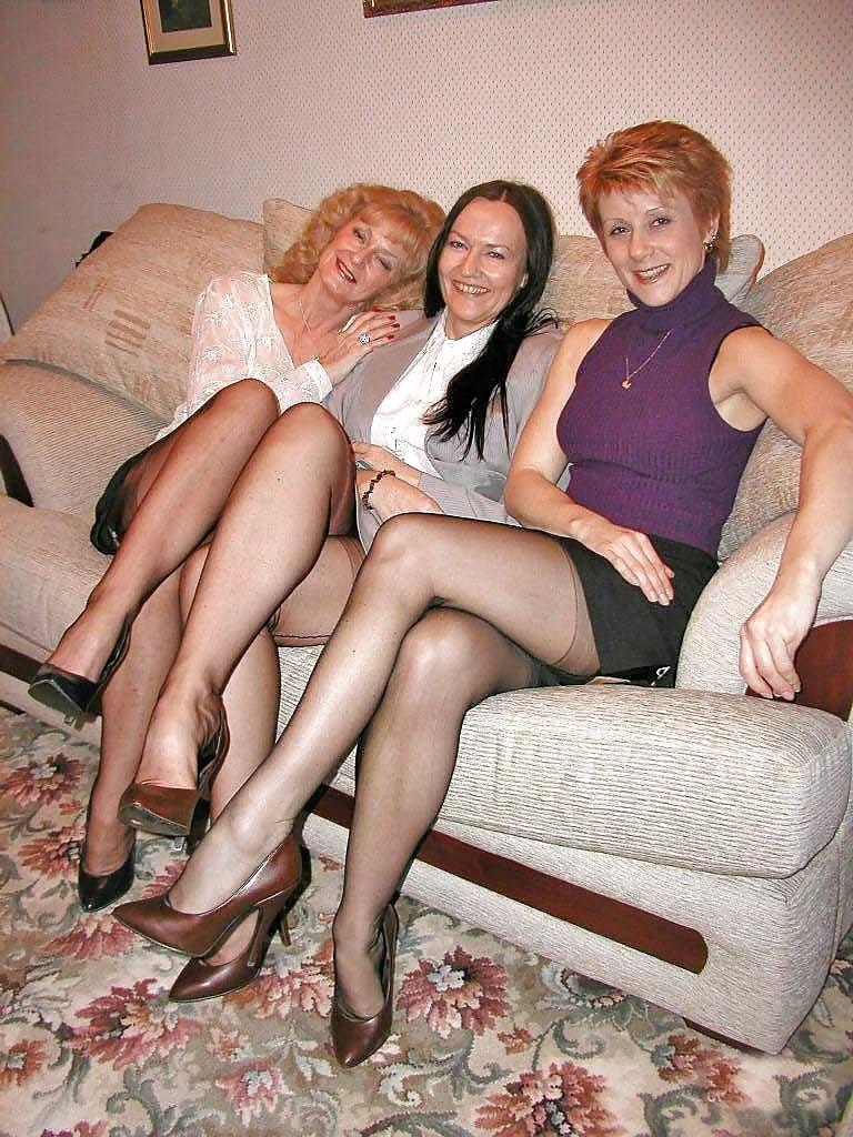 Смотреть фото зрелых лесбиянок уважуха