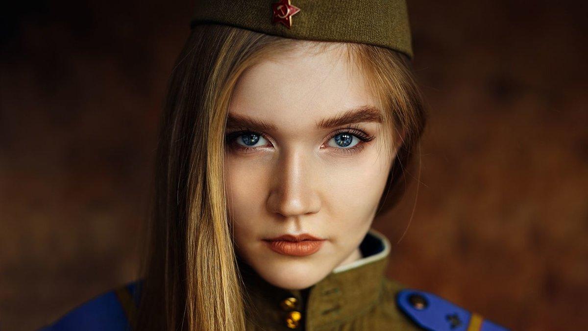 лица девушек и их пилотки фото катя кинулась