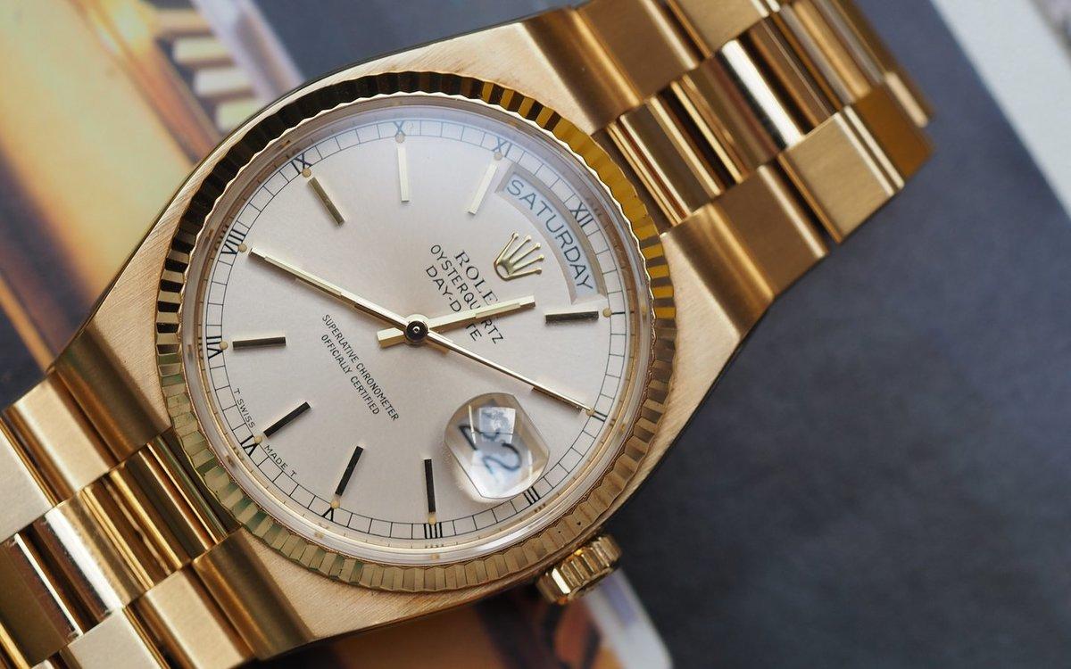 Rolex submariner date 40 mm мужские часы в корпусе из желтого золота 18 карат.