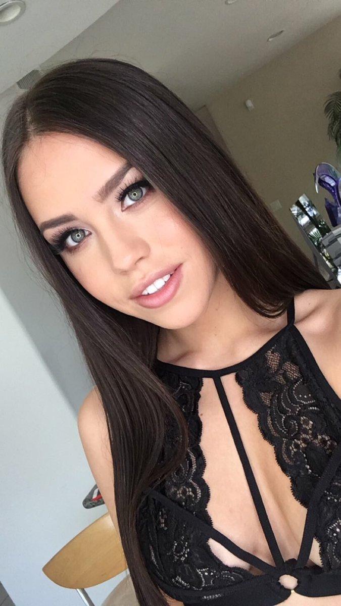 Alina Lopez Nude Photos 15