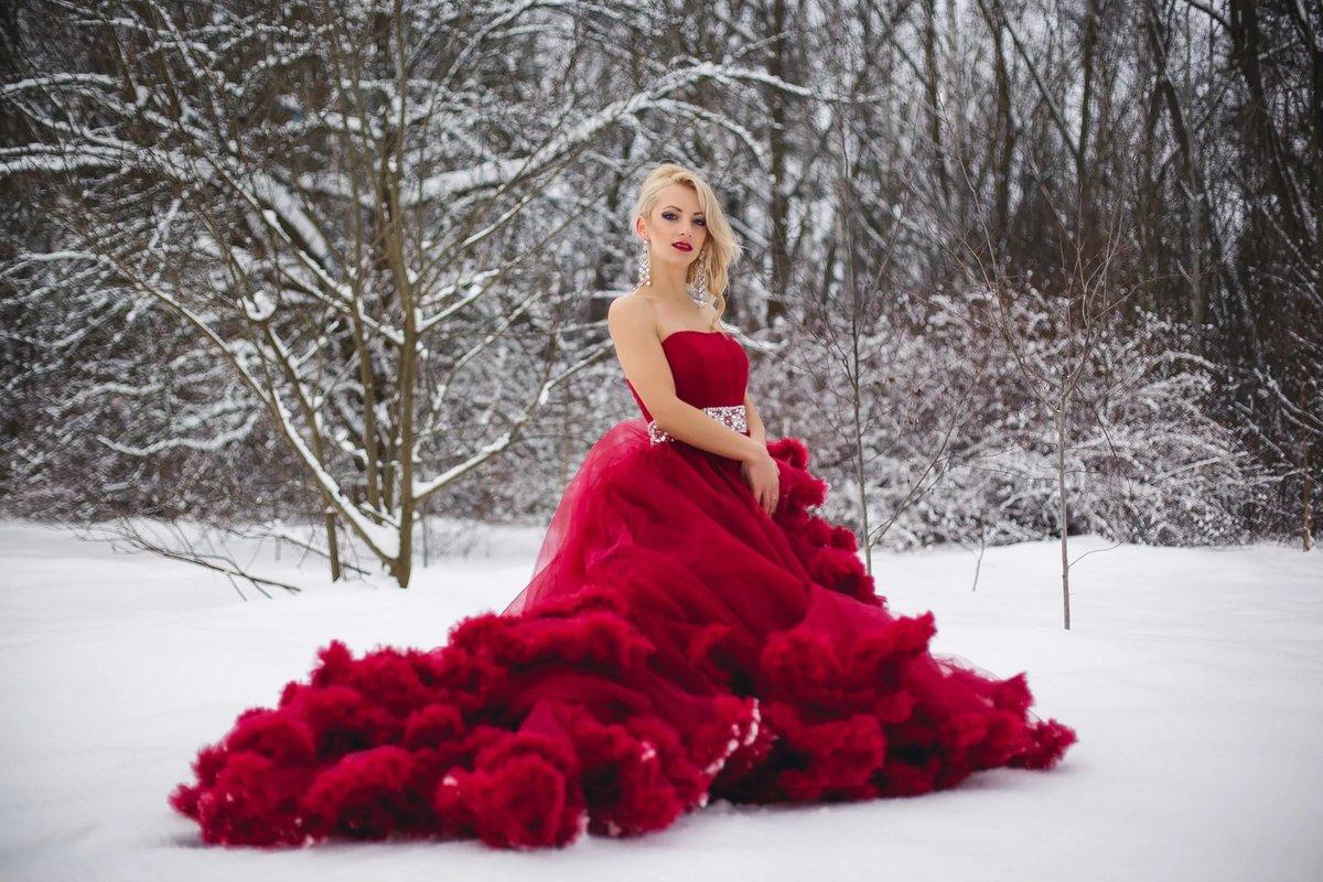 Картинки блондинок в пышных платьях