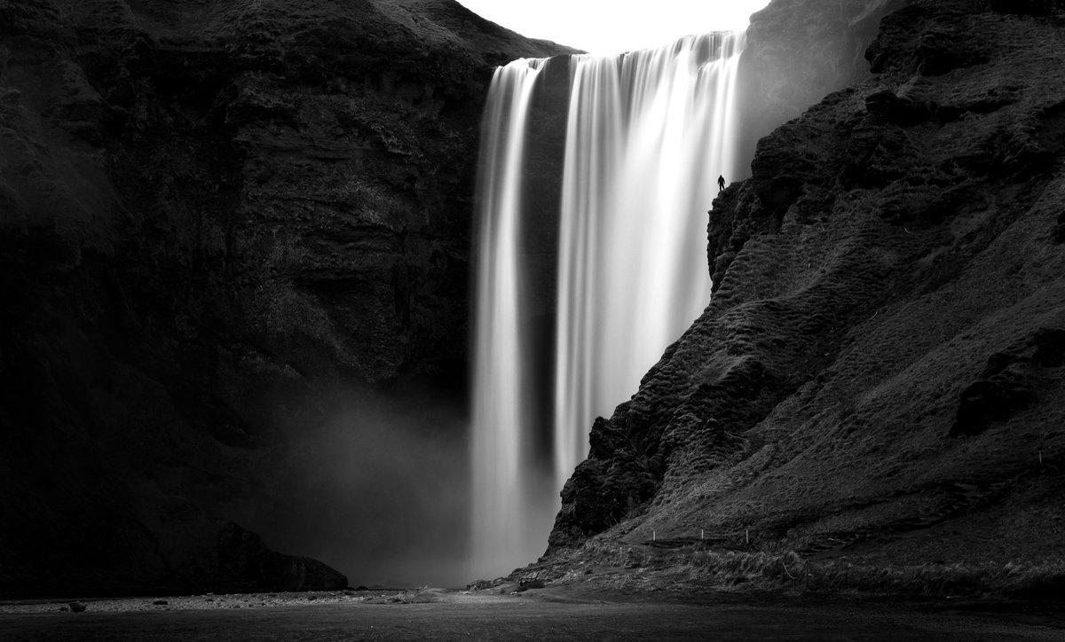 черно белые картинки водопад показывал фотографии