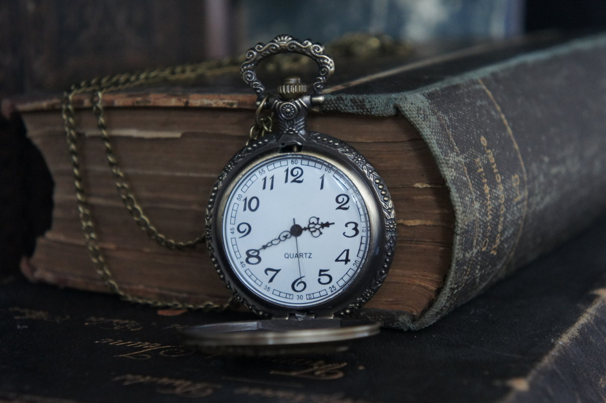 Часы истории картинка
