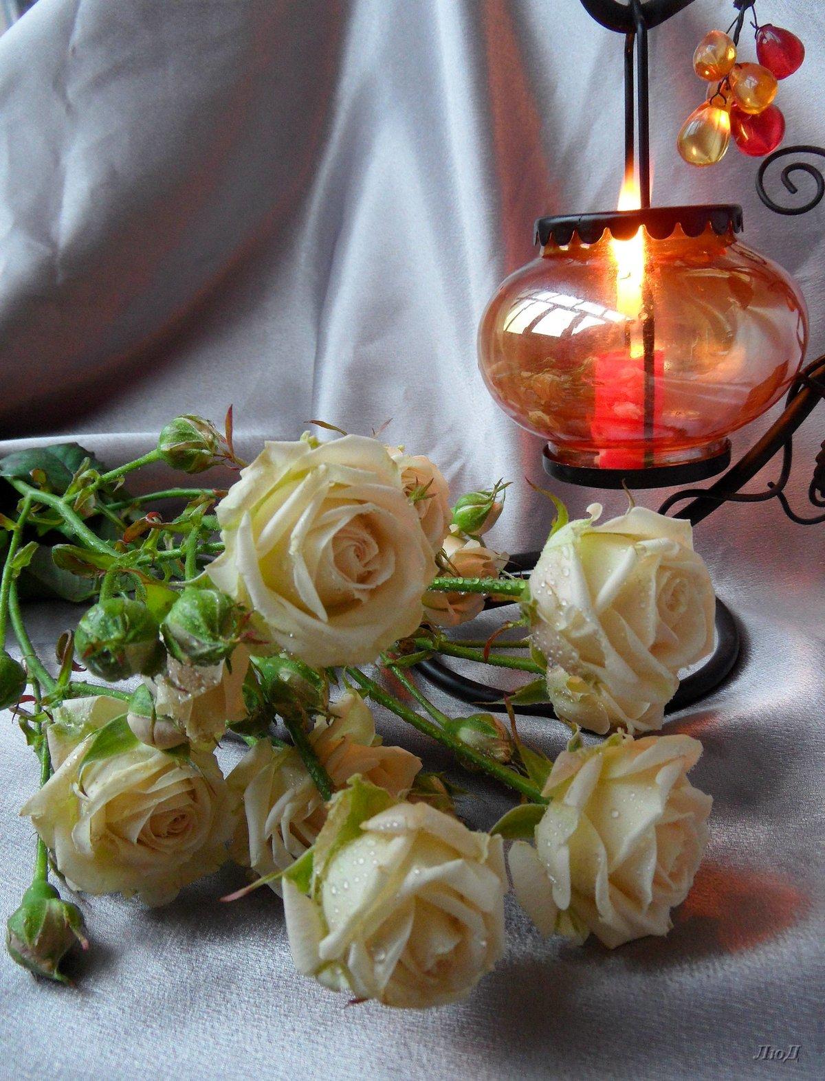 участков картинки с розами и свечами первое, по-моему