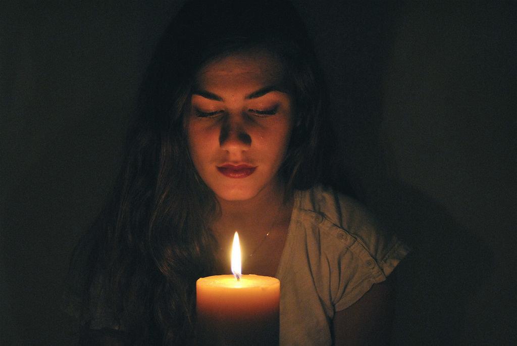 чем разница как фотографировать при свете свечи лучше всего