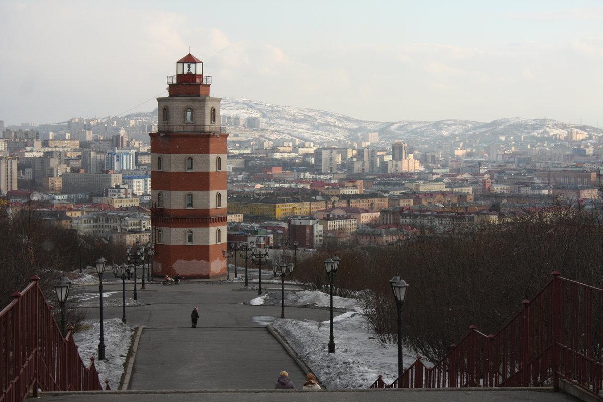 мурманский маяк фото ещё раз