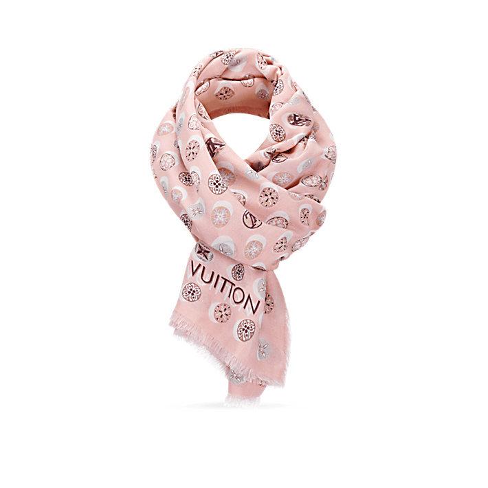 LOUIS VUITTON - Официальный сайт Россия - Откройте для себя коллекцию  женских шарфов e058e5adc2c3e