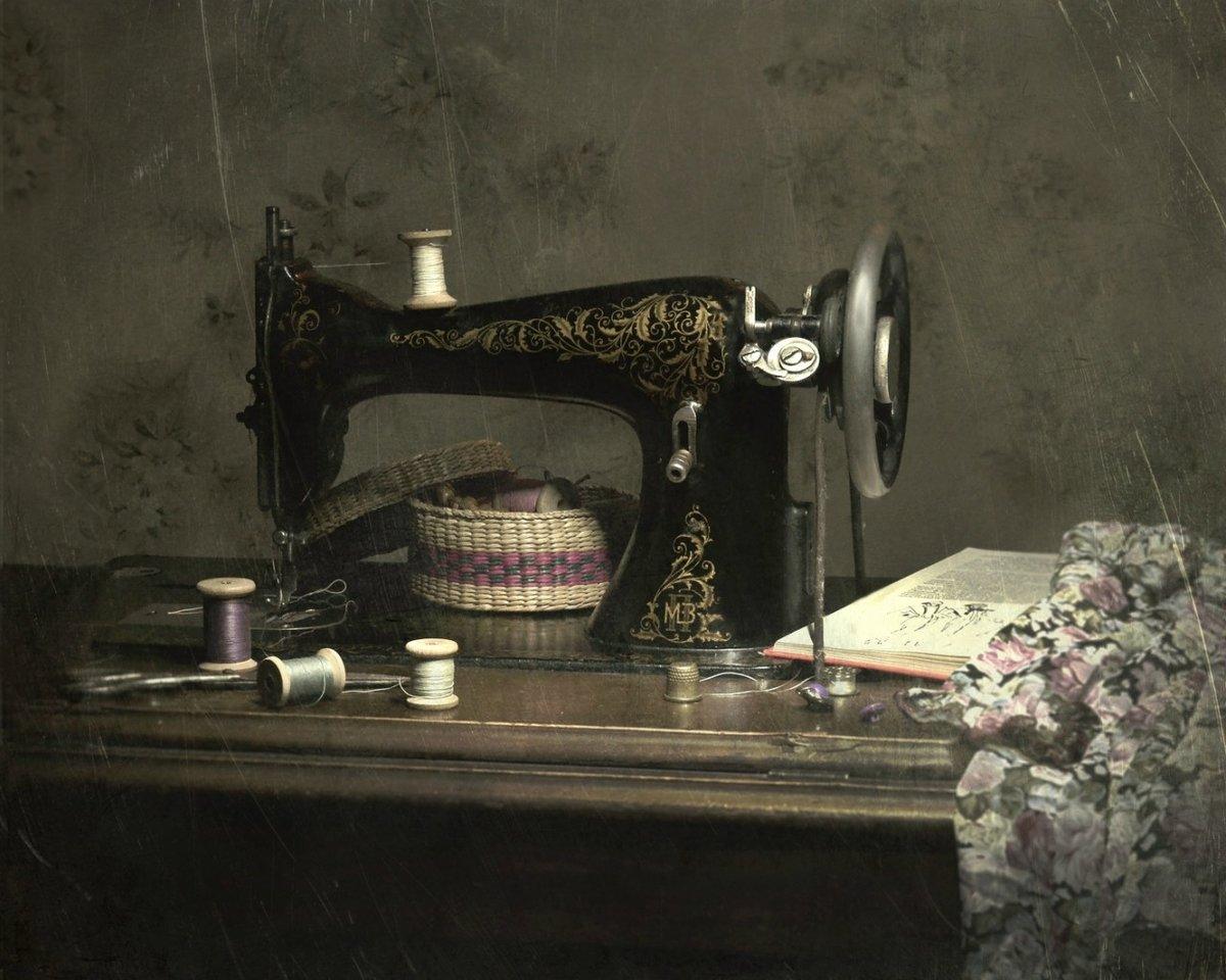 картинки старинная швейная машинка и ножнички жжения области