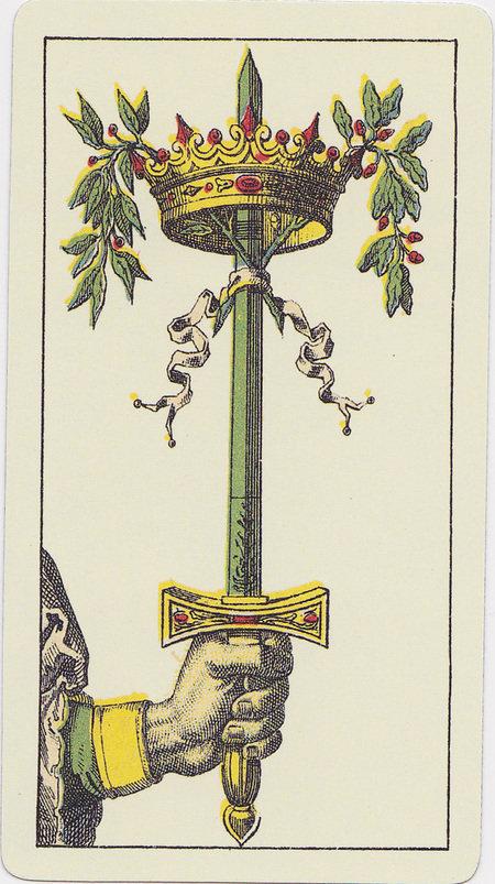 карты таро фото мечи листов