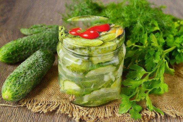 Не стоит переживать за сохранность, салат будет стоять всю зиму без проблем.