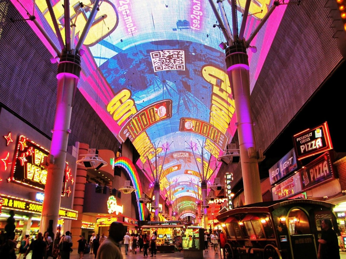 Trolley from fremont street to strip