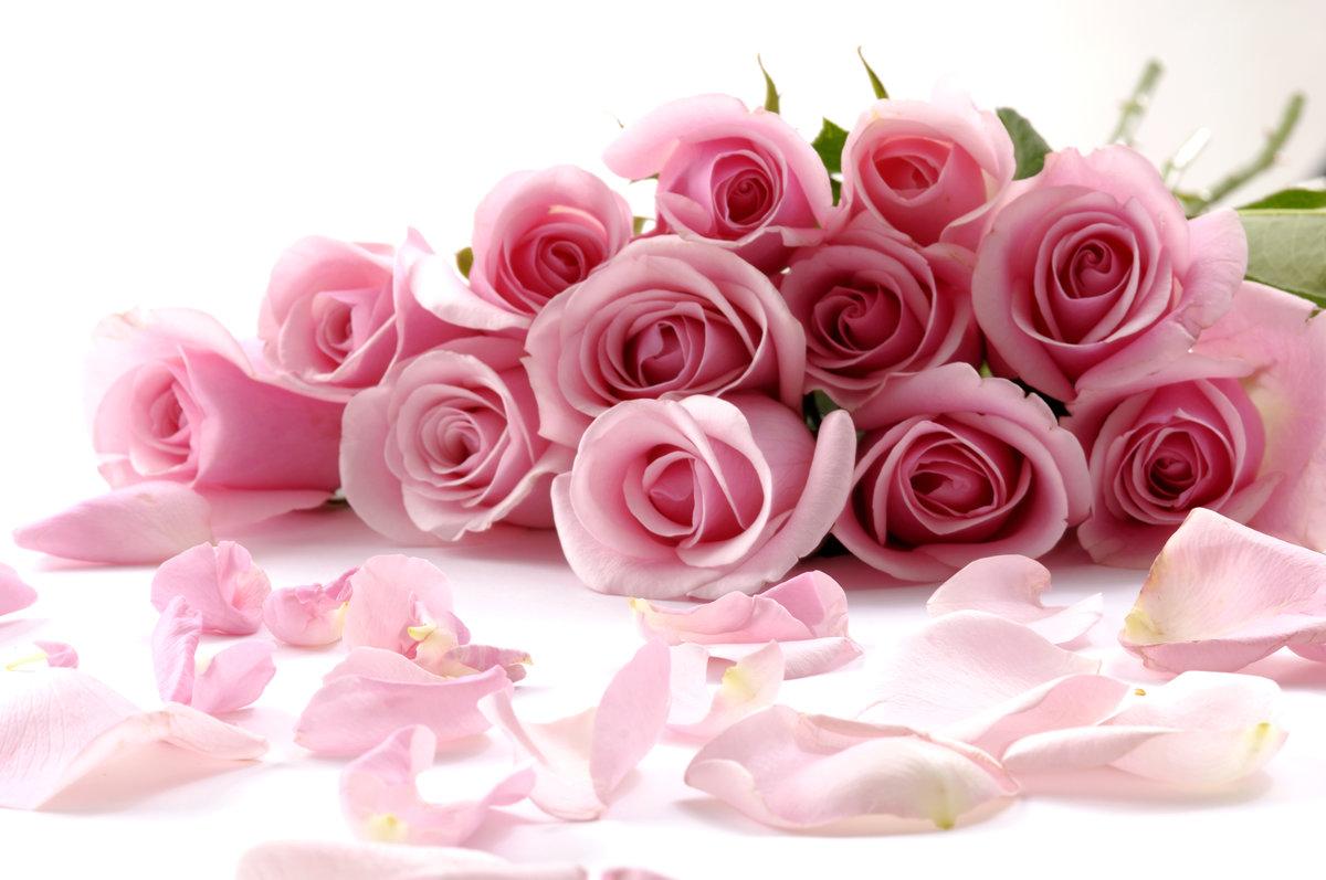 Открытка с букетом розовых роз, годовщиной