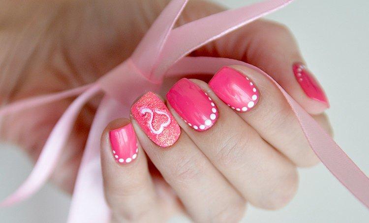 картинки розовый гель лак с украшением