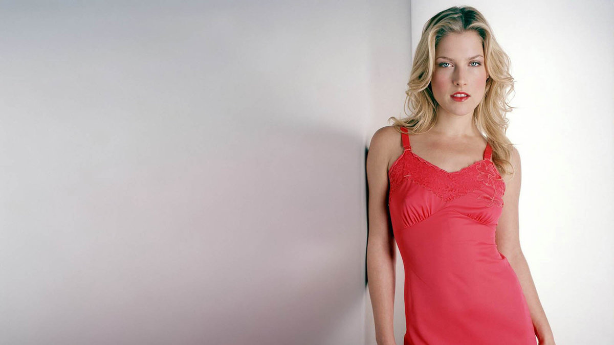 ali-larter-in-lingerie-star