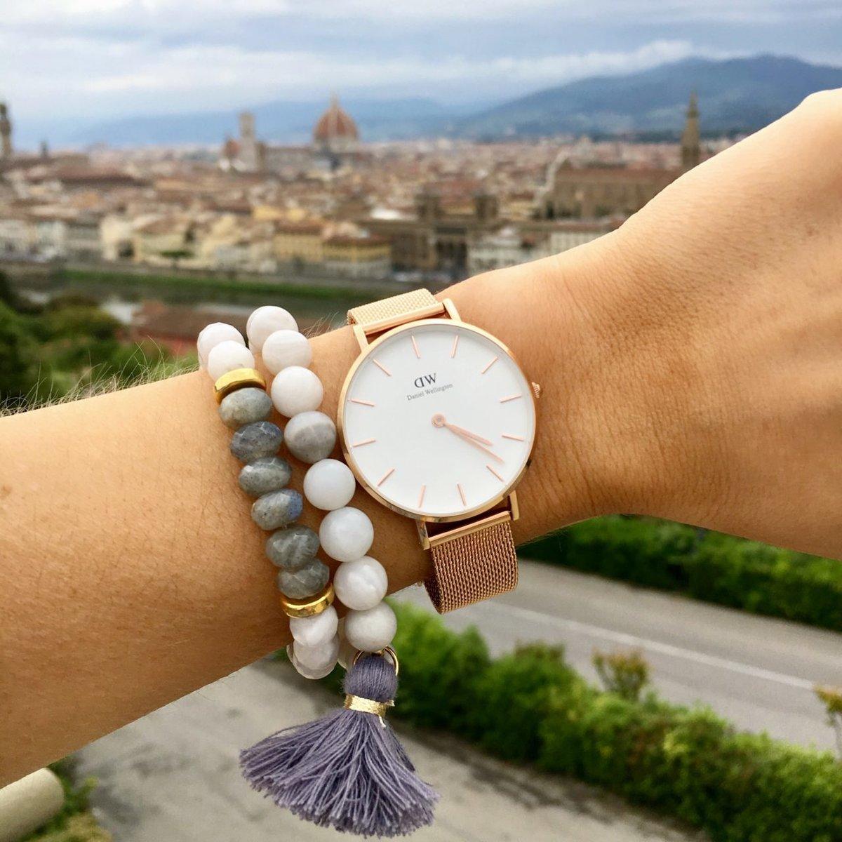 Купите любые часы с нейлоновым ремешком и браслет cuff за руб!