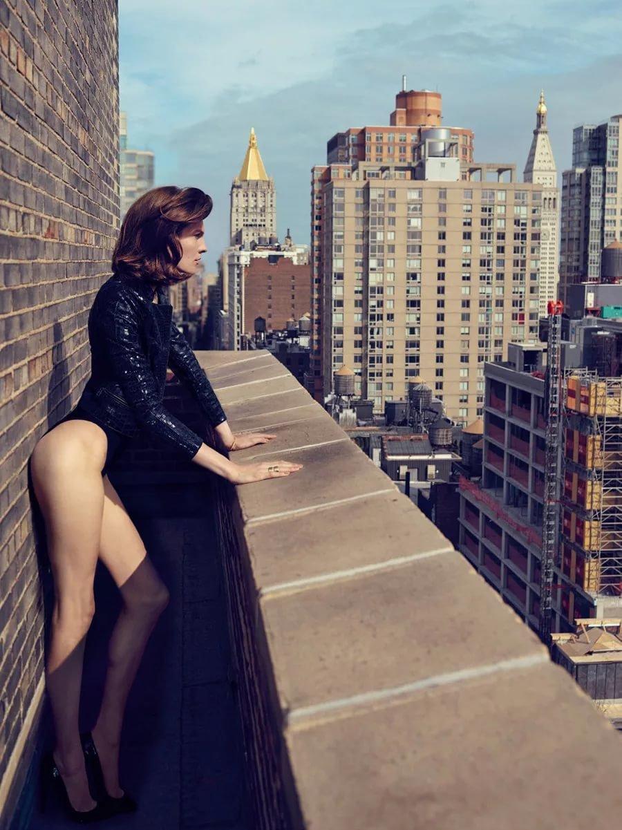 позы для фото на балконе эффект