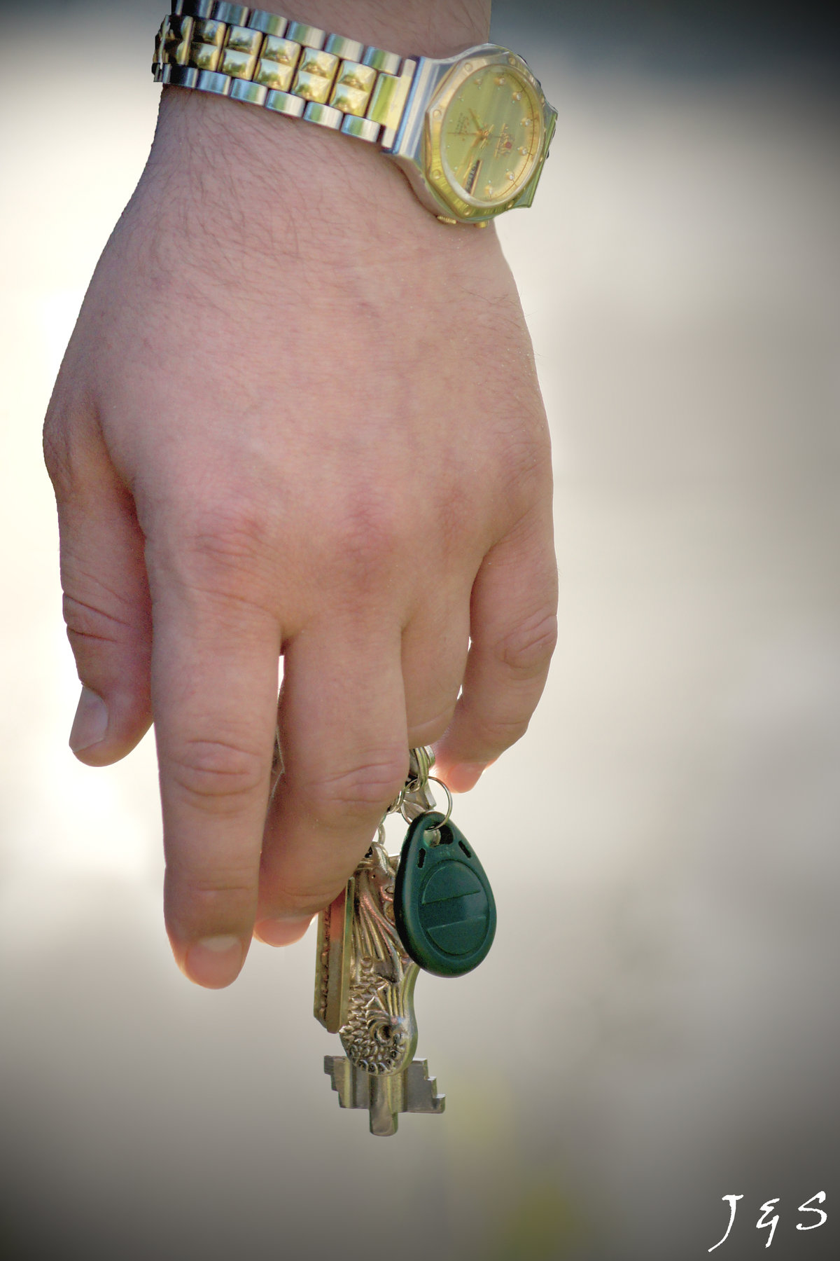 Картинка ключ в руке