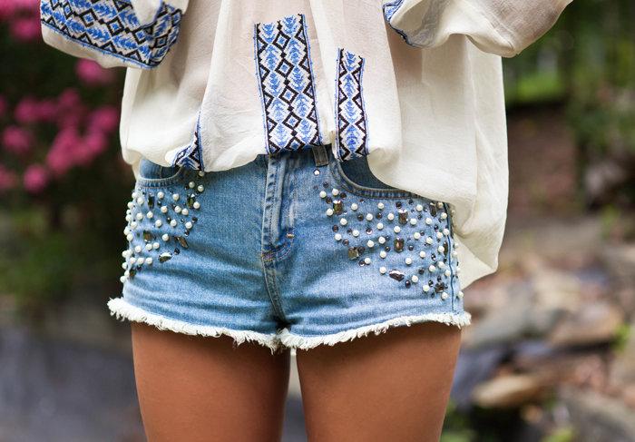 как украсить джинсовые шорты своими руками фото приведены некоторые