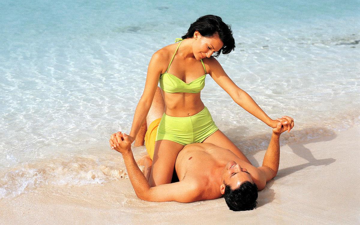 Фото секс на берегу моря — pic 13